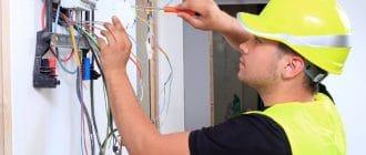 Плюсы профессионального монтажа электрики в квартире под ключ